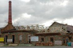 Oprava střechy bývalého lihovaru 23.4. 2008